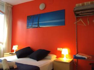 Barcelona City North Hostal Barcelona - Guest Room