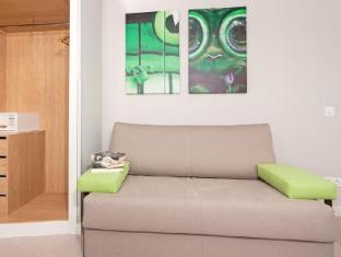 Apartamentos Blume Cruz Madrid - Guest Room