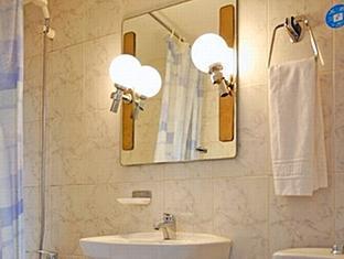 Hostal Alcazar Regis Madrid - Bathroom