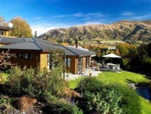 Wanaka Springs Lodge
