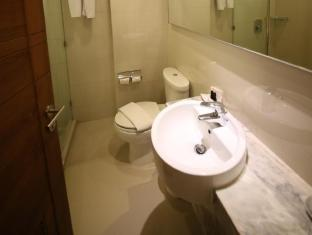 Sunshine Hotel & Residences Pattaya - Bathroom