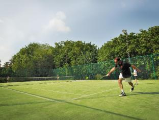 Bandos Island Resort & Spa Maldives Islands - Tennis