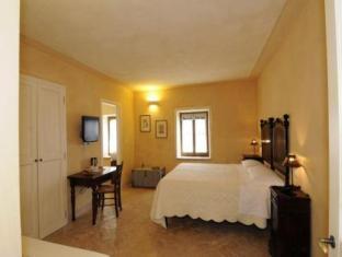 Guest Room - La Tavola Dei Cavalieri Hotel