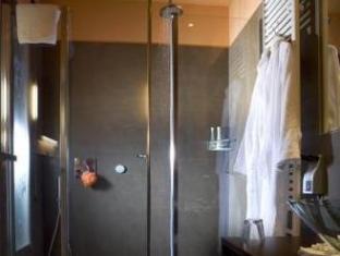 Alloro Suite Hotel بولونيا - حمام
