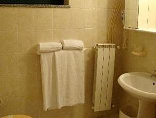 Ascot Lodging Cardano Al Campo - Bathroom