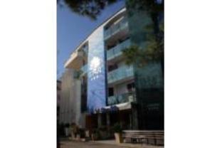 里瓦蓝光公寓