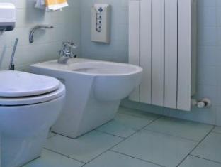 Hotel Touring Ferrara - Bathroom