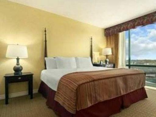 ➦  Hilton Worldwide    (Kentucky) customer rating