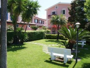 Hotel Ristorante Borgo La Tana Maratea - Garden