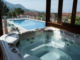 Hotel Ristorante Borgo La Tana Maratea - Hot Tub