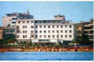 Carlton Hotel