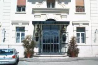 卡特罗斯它吉尼酒店