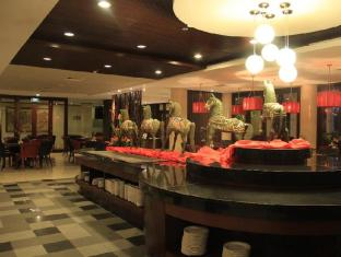 Sanur Paradise Plaza Hotel Bali - Food, drink and entertainment