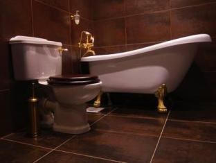 サンタ バーバラ ホテル タリン - バスルーム