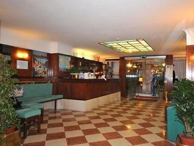 Comfort Hotel Diana
