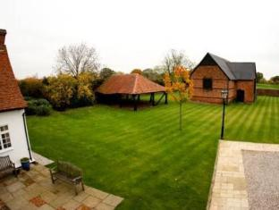 Channels Lodge Chelmsford - Villa