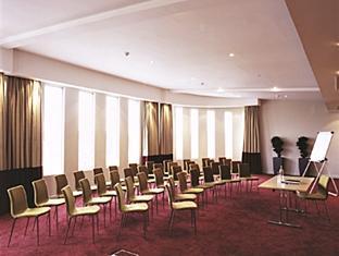 Ramada Crewe Crewe - Meeting Room