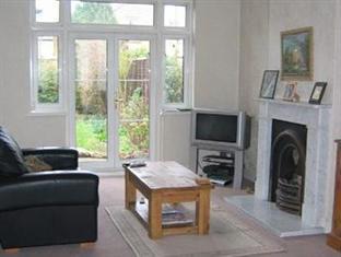 Hazel Wood Guest House London - Living Room