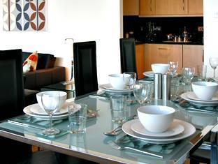 MiNC Boardwalk Serviced Apartment - hotel London