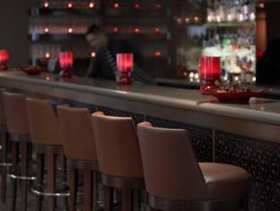 Radisson Blu Edwardian Leicester Square Hotel London - Food, drink and entertainment