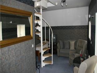 Alex Maja Guest House بارنو - المظهر الداخلي للفندق