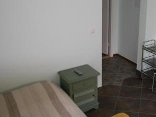 Alex Maja Guest House بارنو - غرفة الضيوف