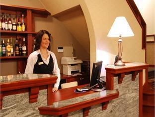 Hotel Villa Wesset بارنو - حانة/استراحة