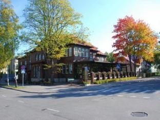 Hotel Villa Wesset פרנו - בית המלון מבחוץ