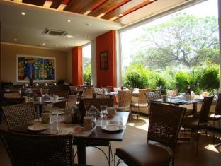 Lemon Tree Chennai Hotel Chennai - Food, drink and entertainment