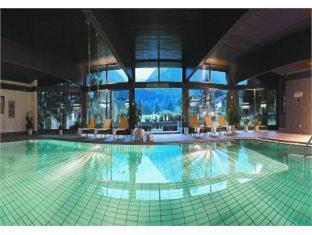 Golfhotel Berghof Berg im Drautal - Swimming Pool