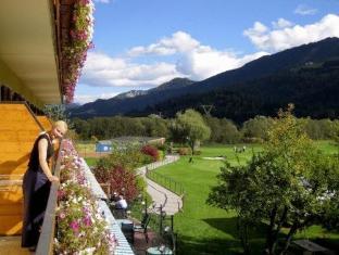 Golfhotel Berghof Berg im Drautal - Balcony/Terrace