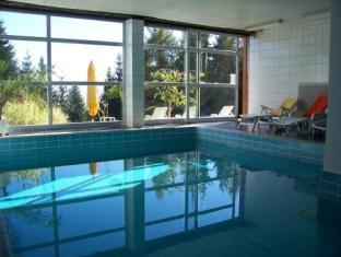 Alpenhotel Birkenhof Bodensdorf - Swimming Pool