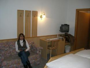Gasthof-Hotel Neubauer Kaltenberg - Guest Room