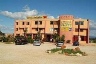 โรงแรมบัลลาแดงส์ ชาโตเนิฟ เลส์ มาร์ติกค์ สุพีเรีย