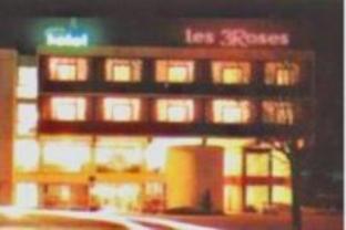 Les Trois Roses Hotel