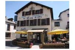 Le Coq D'Or Hotel