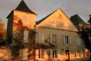 Chateau De Meracq Hotel
