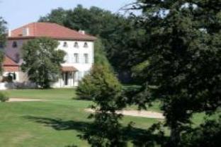 Golf De Saint Junien Hotel