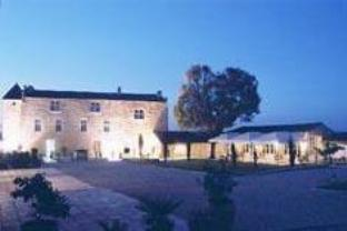 Chateau Isabeau De Naujan Hotel