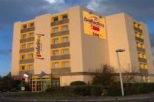 โรงแรมบัลลาดอง วิลเลอร์แปง เซวรอง สุพีเรีย