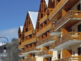 Pierre & Vacances Les Chalets De Valoria Hotel Valloire - Exterior