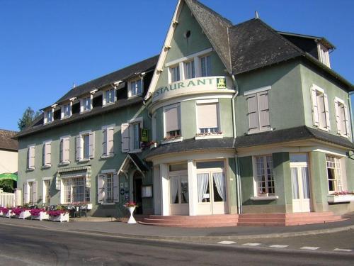 Hotel Du Chemin De Fer Vivoin - Exterior