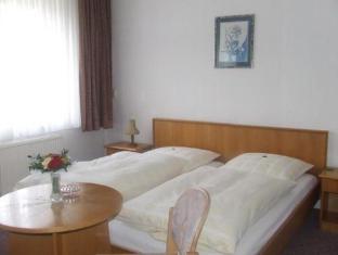 Hotel Kammerhof Bernburg - Guest Room