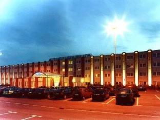 Hotel Bavaria Sandersdorf-Brehna - Exterior