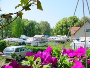 Hotel Seenot am Yachthafen Gross Koris - Garden
