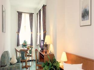 Hotel Abtshof Halberstadt - Guest Room