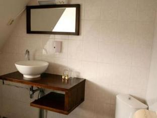 Hotel De Wijnberg Bolsward - Bathroom