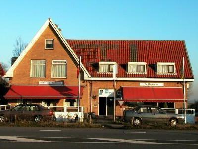 H.C.R. De Wegwijzer Hotel Watergang - Exterior
