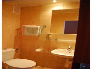 Arenda Hotel Czarnowasy - Bathroom