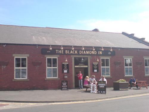 The Black Diamond Inn Ashington - Exterior